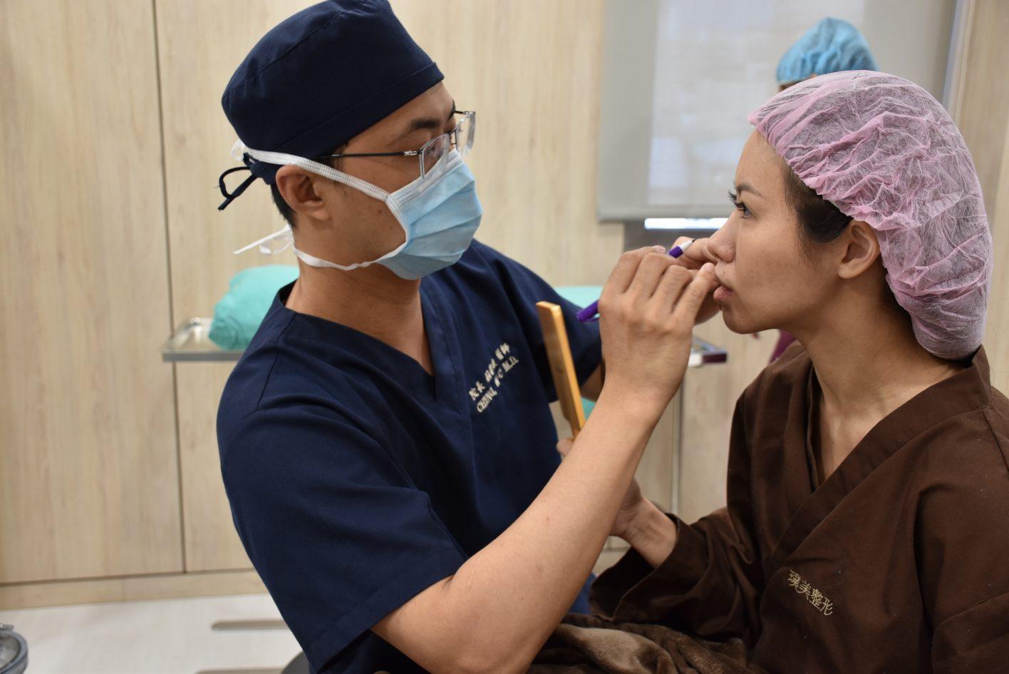 0312021結構式隆鼻手術墊鼻溝槽 3